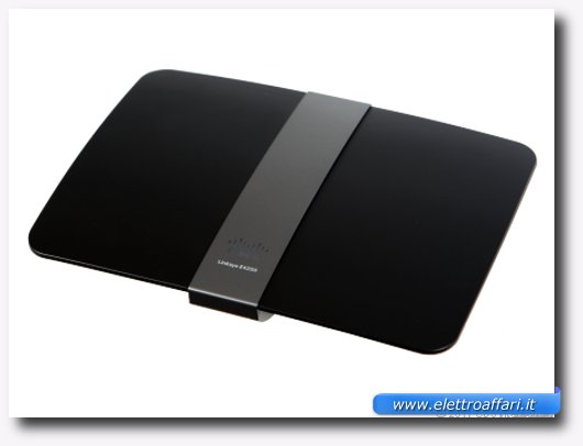 Linksys E4200 Maximum Performance Dual-Band Wireless-N Router