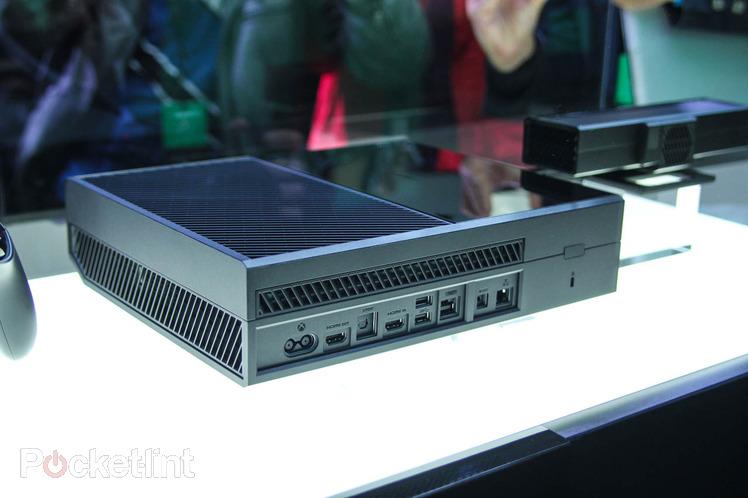 Foto del reotro della Xbox One