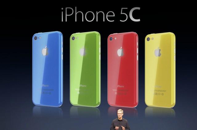 Immagine dell'iPhone 5C nelle sue varie colorazioni