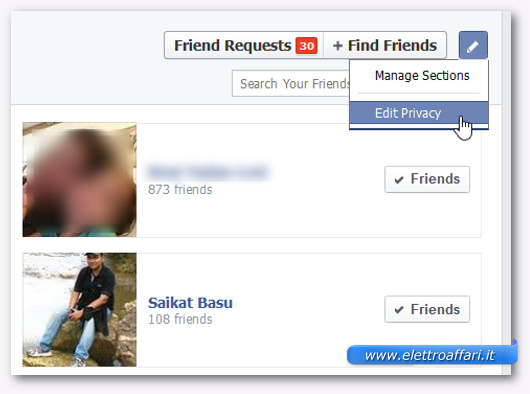 Schermata del pulsante per modificare la privacy sui nostri amici di Facebook