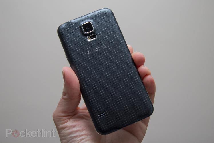 Immagine del retro di un Samsung Galaxy S5