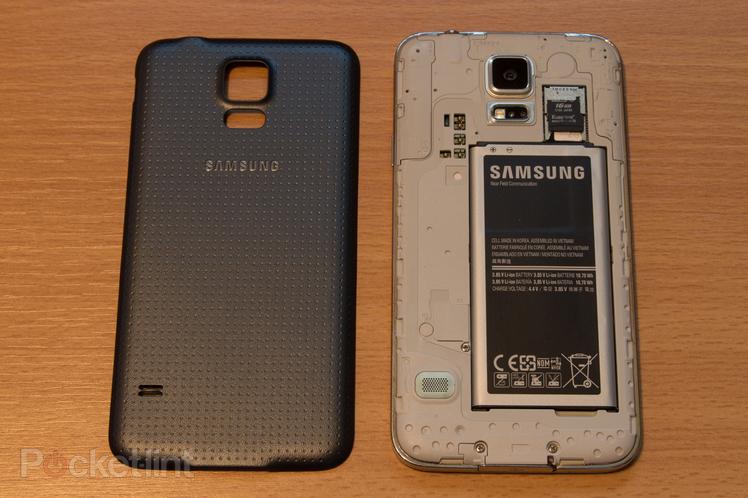 Immagine dell'interno di un Samsung Galaxy S5