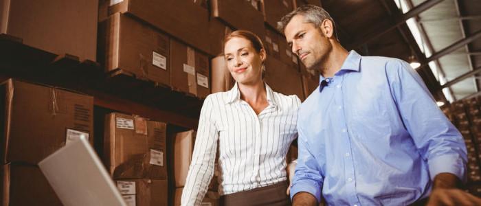 scarico e carico merci magazzino